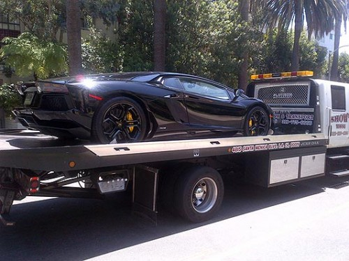Kanye's Lambo: he don't go for no broke ladies